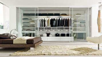 Шкаф-купе в спальню: выбор конструкции и наполнения