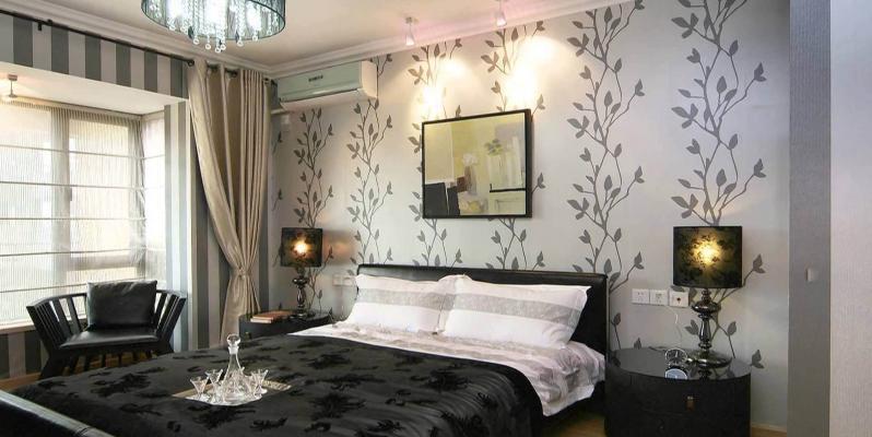 Дизайн потолка и обоев в спальне идеи 74