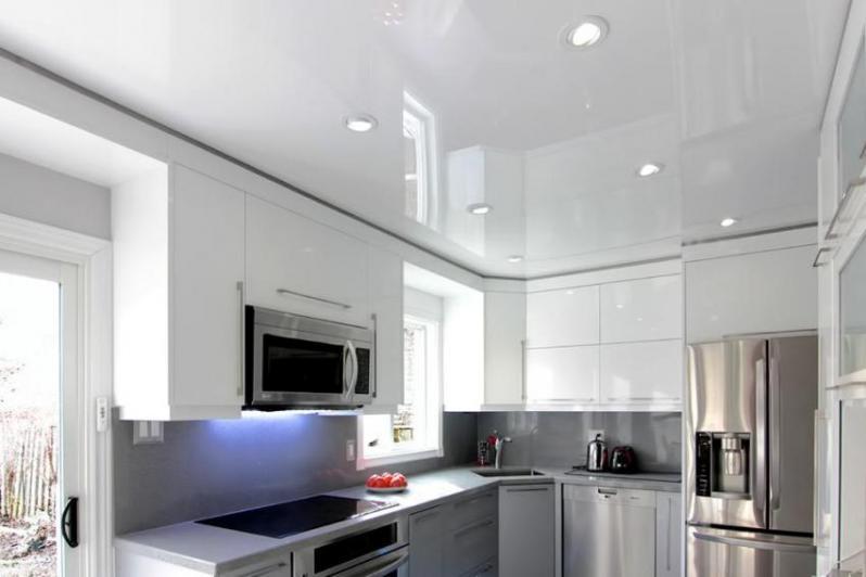 Spanndecken in der Küche Design Foto